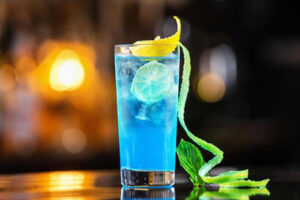 blue-lagoon-cocktail-longdrink-recept-ingredienten